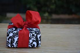 here is favorite diy gift box black and white velvet paper with a red ribbon so pretty