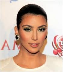 normally i think kim has too much makeup on but this look is right on point for a first date the key is to getting this flawless look is really in the