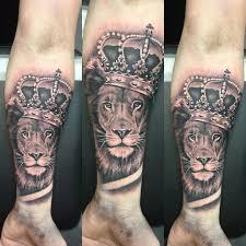 тату на предплечье лев с короной основное значение татуировки льва