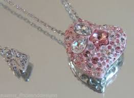 genuine swarovski alana heart pendant