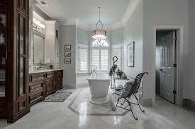 color photo of an en suite bathroom