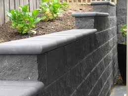 island block paving retaining wall