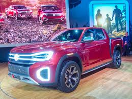 Volkswagen Atlas Tanoak: SUV-based pickup surprises | Kelley Blue Book
