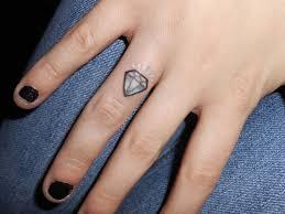 тату бриллиант на пальце более 25 лучших идей на тему татуировки на
