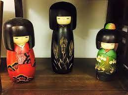 Kokeshi không đơn giản là búp bê gỗ