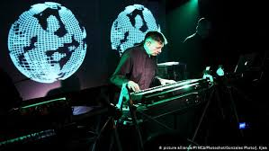 In my opinion, autechre is the best electronic music artist. How Kraftwerk Pioneered Electronic Music Without Computers Music Dw 25 08 2017