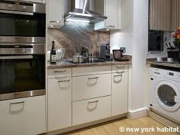 2 bedroom townhouse. london 2 bedroom - townhouse apartment kitchen (ln-819) photo 1 of