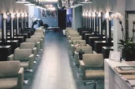 Salon Lighting Tips Full Set Of Uv Gel With Tips And Design At Valentino And