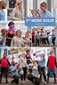 best ideas about walgreens red nose red nose day celebration broke out walgreens in chicago for the 1st red nose purchase in the us
