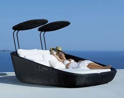 As far as day beds go, this one right here takes the day as one of the coolest  beds of them all. It provides a cozy retreat from the ravages of staying ...