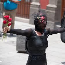 Alba Cadena Roldan: Imagens fragmentadas de uma história de rua