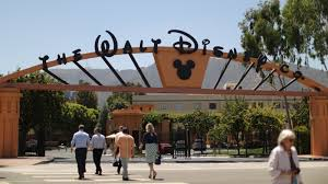 I adored the students, i loved teaching, i loved the benefits of working for disney (perks, insurance, disney atmosphere etc.) A Suit Against Disney Claims Unequal Pay For Women The New York Times