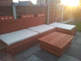 diy outdoor pallet sectional. Diy Pallet Outdoor Lounge Sofa With Lights DIY Sectional