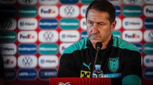 Trotz Doppel-Debakel: Franco Foda bleibt vorerst Nationaltrainer in  Österreich - Sportbuzzer.de