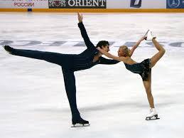 Зимние виды спорта  Фигу́рное ката́ние конькобежный вид спорта относится к сложнокоординационным видам спорта Основная идея заключается в передвижении спортсмена или пары