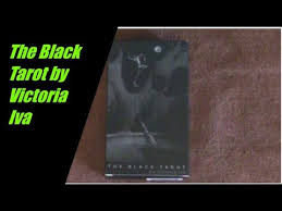 First Impressions Victoria Iva Black Tarot by Grün Eule - YouTube
