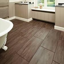 Bagno mosaico azzurro bagno pavimenti idee pavimento in legno con