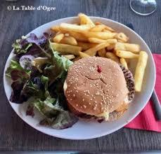 Chez Paulette - Just run!   La Table d'Ogre