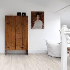 quickstep livyn balance canyon oak light with saw cuts vinyl installation quick step plus flooring global
