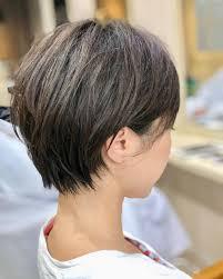くせ毛天パを活かした女性の髪型19選くせ毛が得意な美容院も Belcy