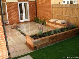 awesome garden patio designs 17 best ideas about small patio gardens on flat