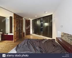 Innenansicht Der Eine Moderne Schlafzimmer Mit Blick Auf Das Bad Mit