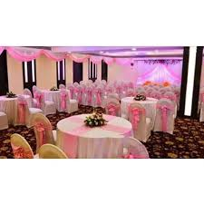 pink and white wedding round table linen