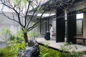 Mar 26, 2021 · small garden decking ideas come in handy when you're trying to make the most of a tiny unused space. Best Modern Examples Of Ancient Courtyard Renovations In China Archdaily