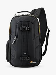<b>Lowepro Slingshot Edge 150</b> AW Camera and Tablet Backpack, Black