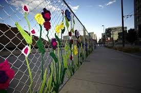 6 Decorated Chain Link Fences Curbly