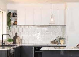 our 600mm rangehood cabinets were used in this minimal kitchen configuration