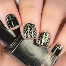 19 Geometric Manicures To Whip Your Nails Into Shape | more.com