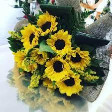 Questo mazzo di fiori per la vostra festa. Fiori Per Anniversario Nozze Oro Quali Fiori Regalare