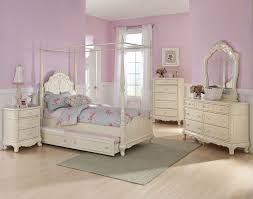 Off White Bedroom Furniture Sets Antique White Bedroom Dressers Hillsdale Wilshire 5 Piece Poster