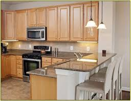 kitchen cabinets with granite countertops: maple cabinets with granite countertops glazed maple kitchen cabinets