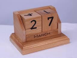 picture of perpetual desk calendar in cherry