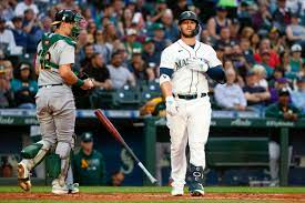 Mariners lose a weekday night game to ...