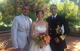 Surgeon general again — and if his name sounds familiar, it's not just because he previously held the position during the obama administration. Indian American Us Surgeon General Vivek Murthy Marries Fellow Doctor