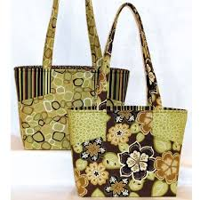 Best 25+ Quilted purse patterns ideas on Pinterest | DIY quilted ... & Free Fabric Handbag Patterns | Quilt Patterns for Totes, Purses and Bags Adamdwight.com