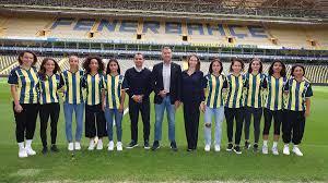 FENERBAHÇE KADIN FUTBOL TAKIMIMIZDA İMZALAR ATILDI - Fenerbahçe Spor Kulübü