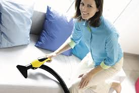 Как быстро почистить мягкую мебель в домашних условиях