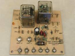 carrier control board. picture 1 of carrier control board