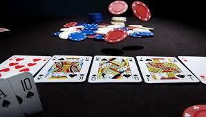 Poker Online Amatir dan Profesional