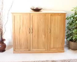 image of the baumhaus mobel oak extra large shoe cupboard cor20f with doors closed baumhaus mobel oak 2
