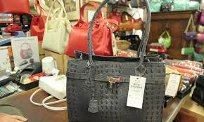 where to the best italian leather handbags in florence italy