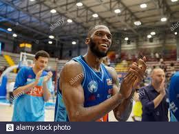 Napoli, Italien. Juni 2021. Gevi Napoli Basket gewinnt das Finale 2 des  Playoffs A2 gegen APU Old Wild West Udine 57-53. (Foto von Giovanni  Esposito/Pacific Press) Quelle: Pacific Press Media Production Corp./Alamy