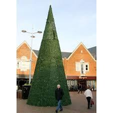 The Best Worst Weirdest And Tallest Christmas Trees In The World Worst Christmas Tree