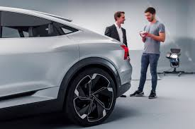 2018 audi e tron suv. fine suv the etron sportback has two motors that power the rear wheels and one  powers fronts with drivetrain producing maximum combined outputs of  for 2018 audi e tron suv
