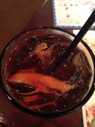 it was my first time tasting the bellini peach raspberry iced tea and it was so good i loved the slices of peach they add to the drink