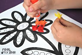 tissue paper flower crafts for preschoolers tissue paper flower art activity on how to make paper